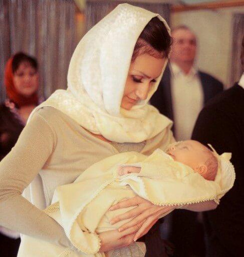 Как красиво завязать платок в храм